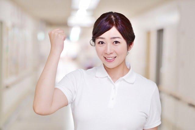 介護施設で働く女性